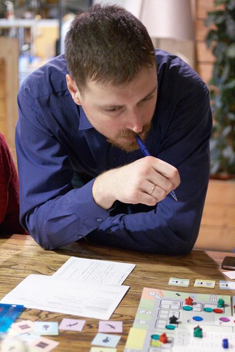 Юрий Ямщиков тестирует прототип игры
